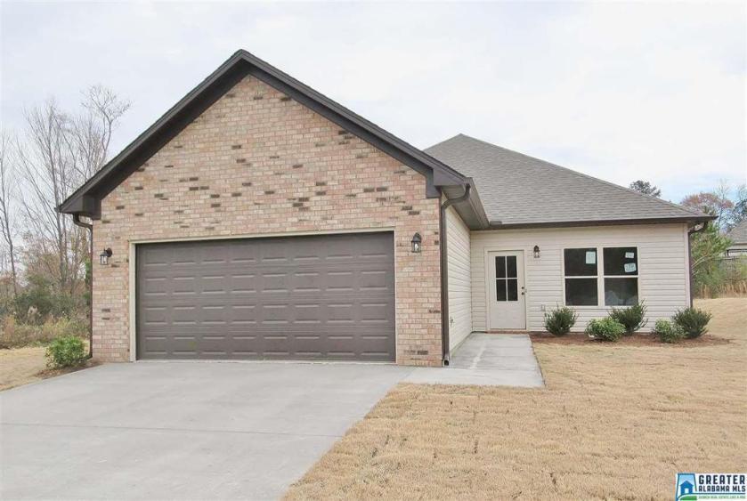 Property for sale at 170 Shiloh Creek Dr, Calera,  Alabama 35040