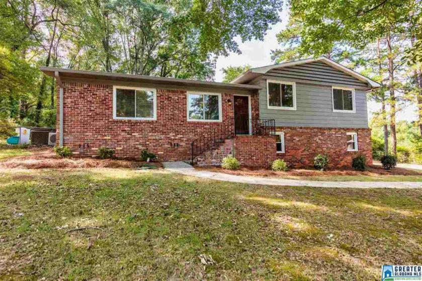 Property for sale at 3424 Ridge Dell Cir, Vestavia Hills,  Alabama 35243