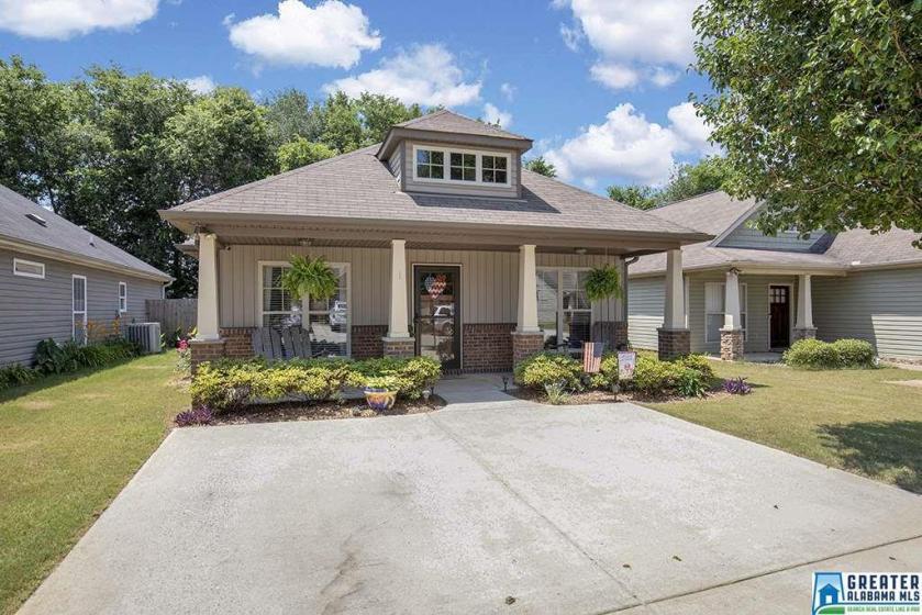 Property for sale at 128 Moss Stone Ln, Calera,  Alabama 35040
