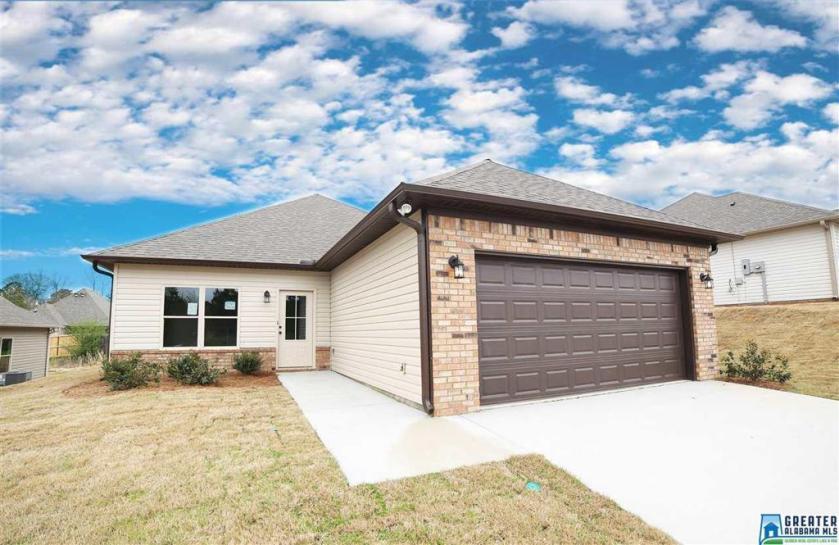 Property for sale at 154 Shiloh Creek Dr, Calera,  Alabama 35040