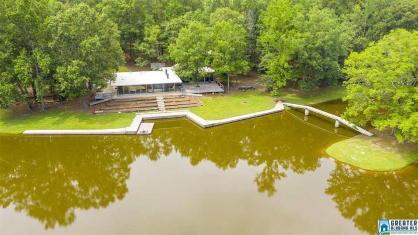 Property for sale at 1476 Sumner Dr, Columbiana,  Alabama 35051