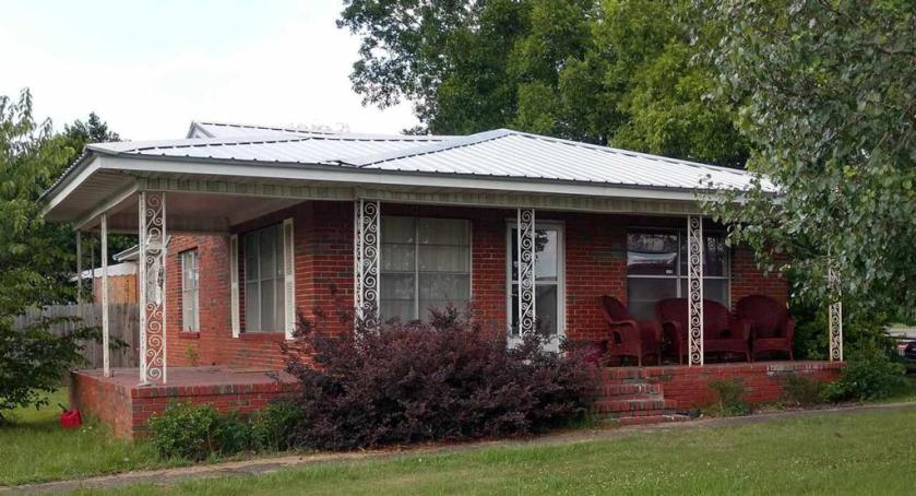 Property for sale at 106 Dexter Ave, Hueytown,  Alabama 35023