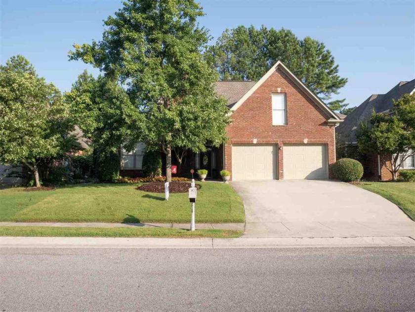 Property for sale at 6023 Waterside Dr, Hoover,  Alabama 35244