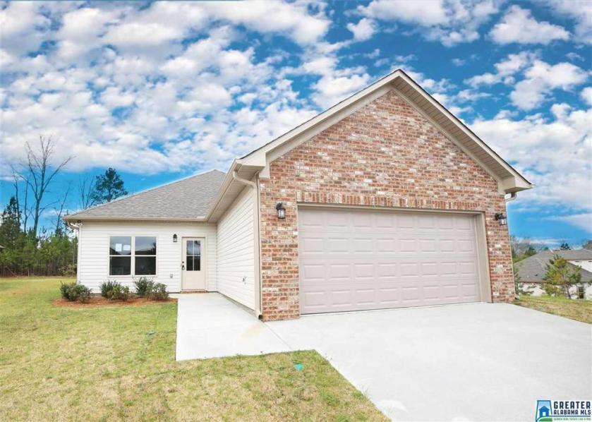 Property for sale at 145 Shiloh Creek Dr, Calera,  Alabama 35040