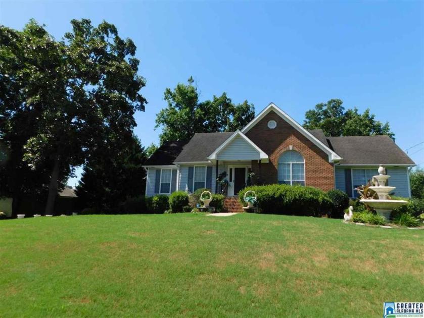 Property for sale at 4740 Longwood Cir, Gardendale,  Alabama 35071