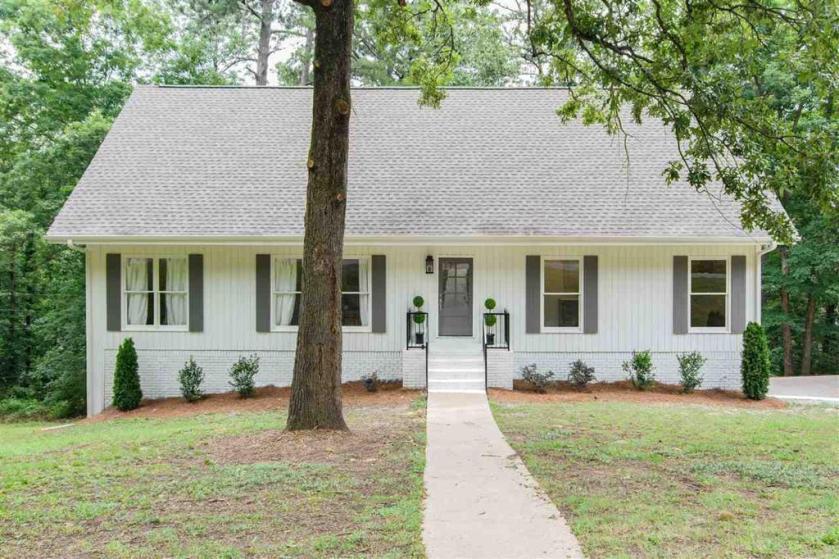 Property for sale at 3209 Altaloma Dr, Vestavia Hills,  Alabama 35216