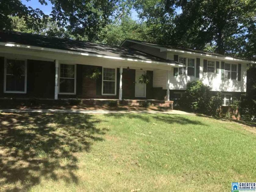Property for sale at 241 12Th St SW, Alabaster,  Alabama 35007