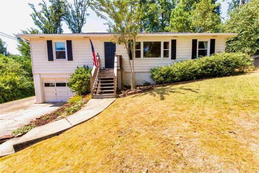 Property for sale at 4012 Cahaba Dr N, Vestavia Hills,  Alabama 35243