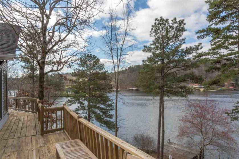 Property for sale at 105 W Sunset Blvd, Oneonta,  Alabama 35121