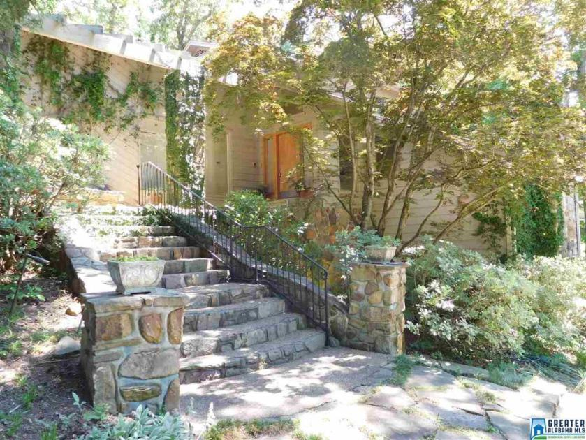 Property for sale at 3434 Indian Lake Dr, Pelham,  Alabama 35124