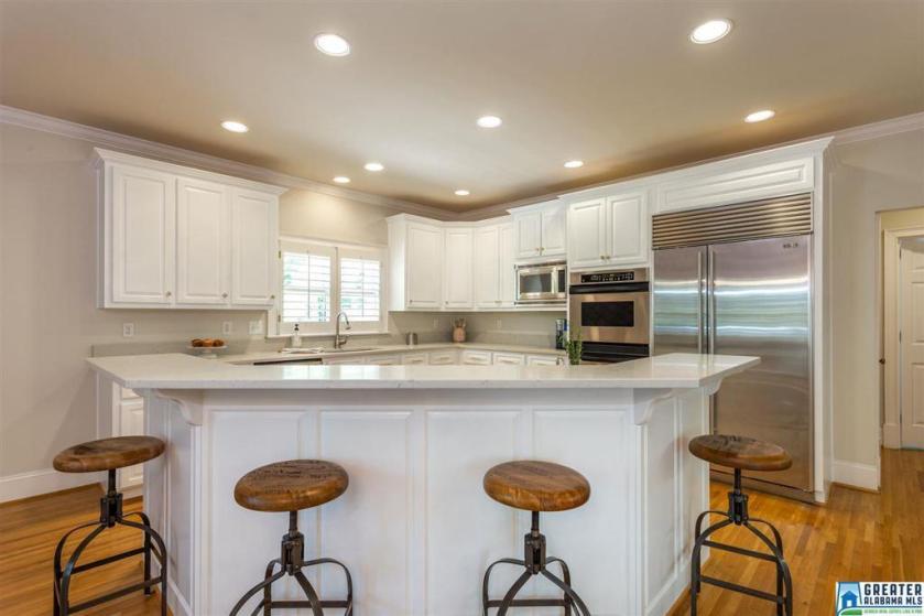 Property for sale at 609 Reynolds Way, Vestavia Hills,  Alabama 35242