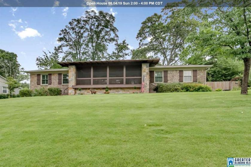 Property for sale at 2108 Vesthaven Way, Vestavia Hills,  Alabama 35216
