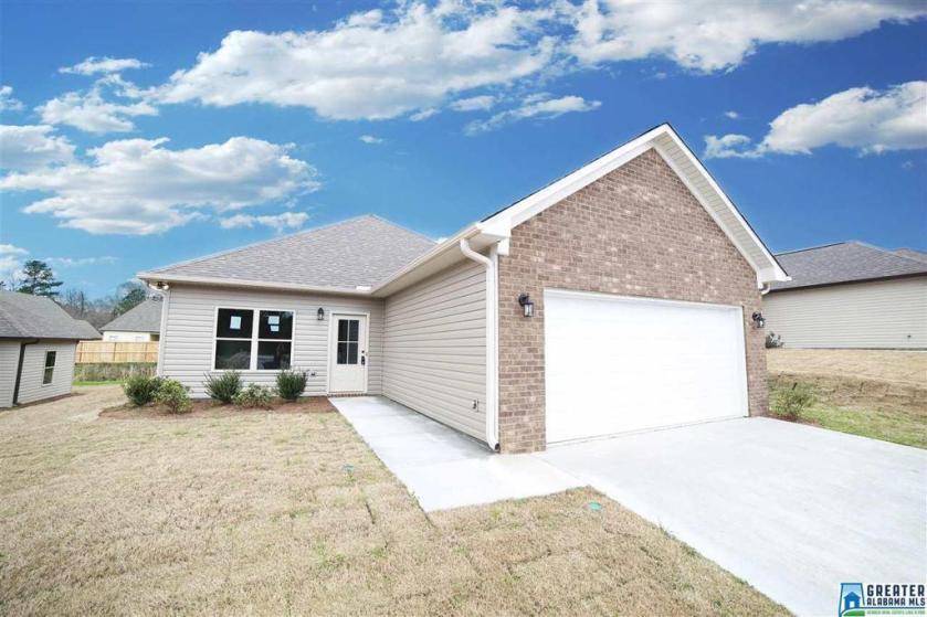Property for sale at 158 Shiloh Creek Dr, Calera,  Alabama 35040