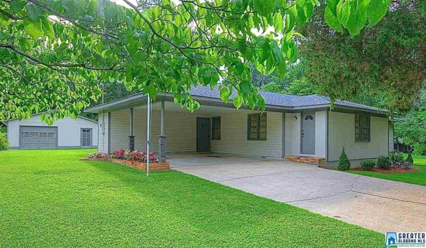 Property for sale at 1830 Moncrief Rd, Gardendale,  Alabama 35071