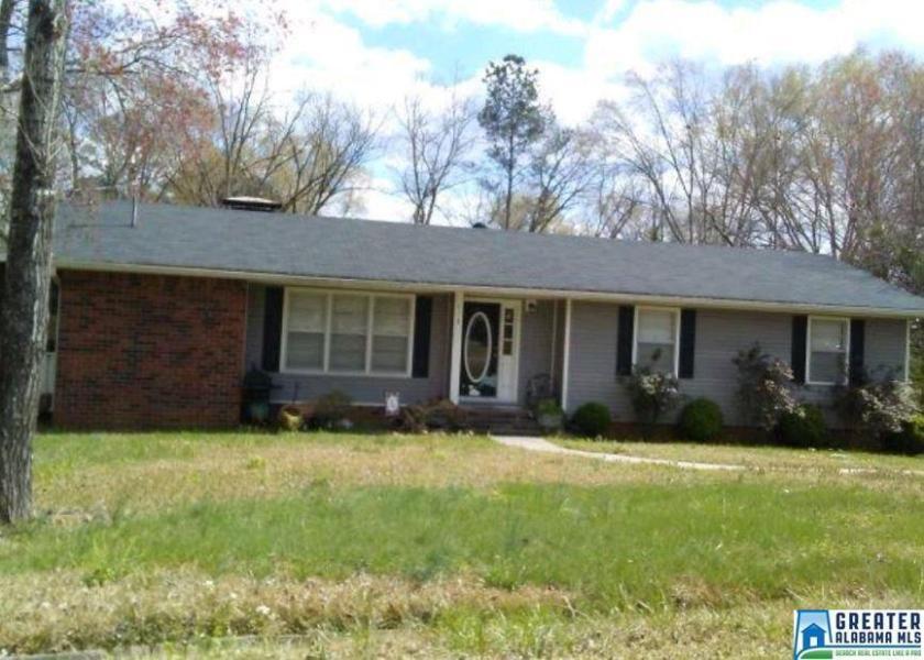 Property for sale at 113 Pine Hill Cir, Columbiana,  Alabama 35051