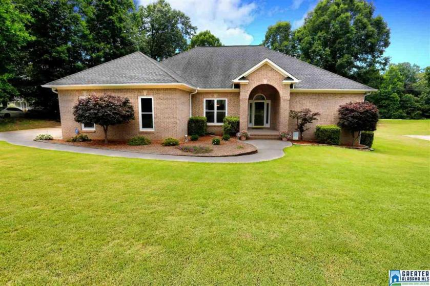 Property for sale at 1417 9th St, Pleasant Grove,  Alabama 35127