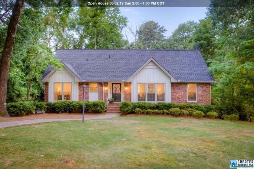 Property for sale at 2109 Woodwind Cir, Vestavia Hills,  Alabama 35216