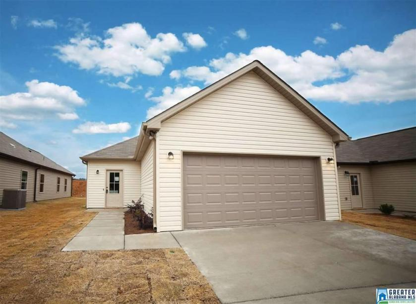 Property for sale at 133 Shiloh Creek Dr, Calera,  Alabama 35040