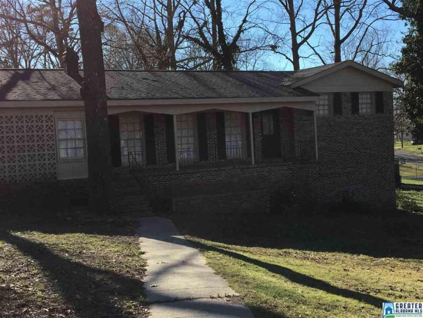 Property for sale at 1654 6th Pl NW, Center Point,  Alabama 35215