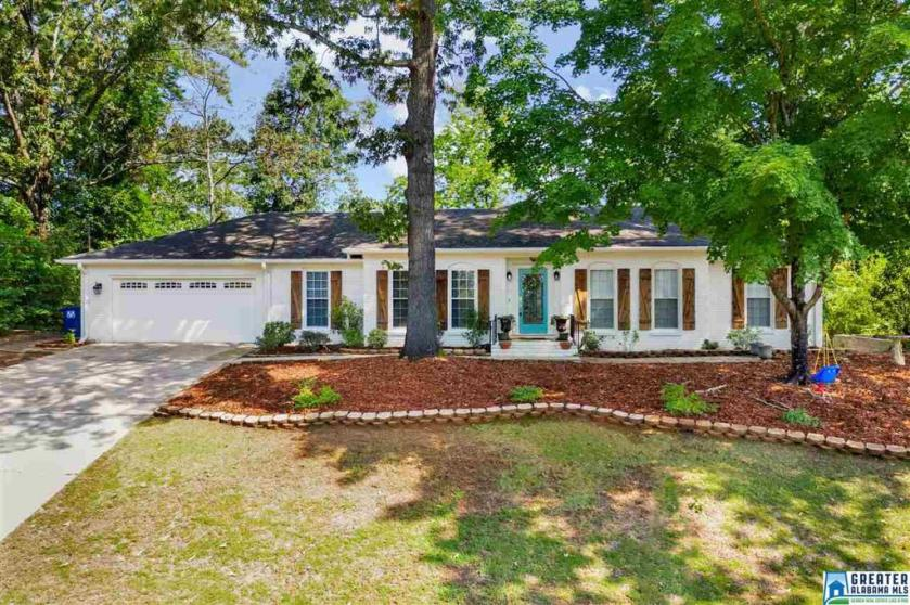 Property for sale at 1858 Tall Timbers Dr, Hoover,  Alabama 35226