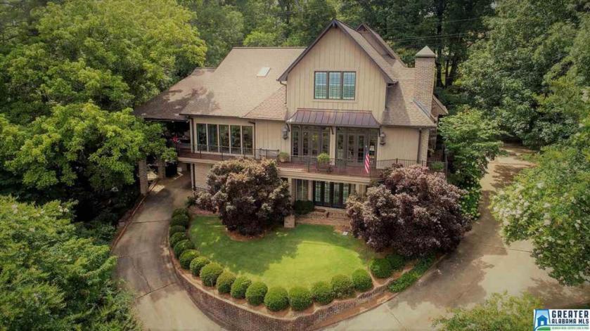Property for sale at 340 Vesclub Dr, Vestavia Hills,  Alabama 35216