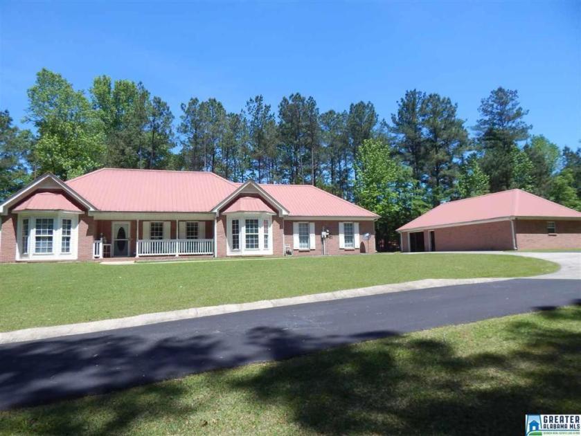 Property for sale at 155 Applejack Dr, Woodstock,  Alabama 35188