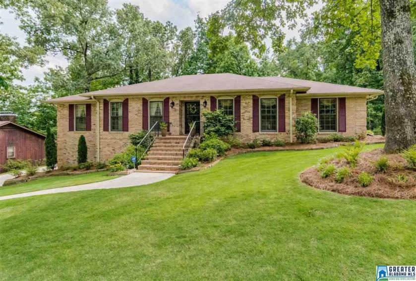 Property for sale at 3572 Brookfield Rd, Hoover,  Alabama 35226