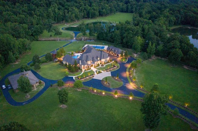 Property for sale at 2470 Cahaba Valley Rd, Indian Springs Village,  Alabama 35124