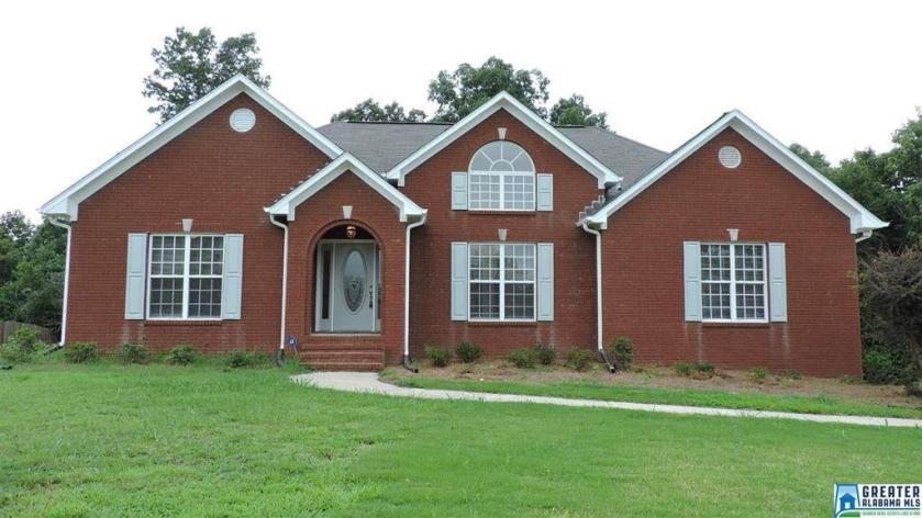 Property for sale at 2041 Magnolia Rd, Leeds,  Alabama 35094