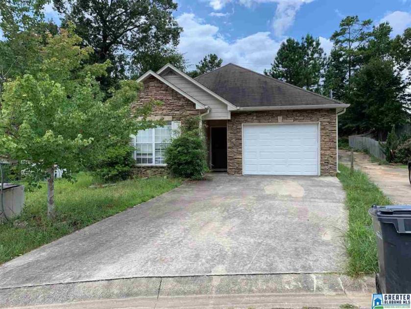Property for sale at 243 Carrington Ln, Calera,  Alabama 35040