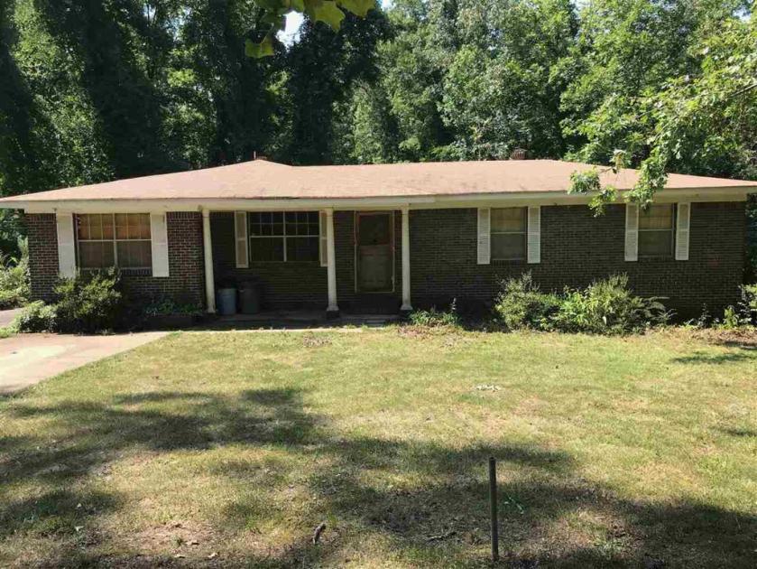 Property for sale at 1411 Bucks Dr, Adamsville,  Alabama 35005