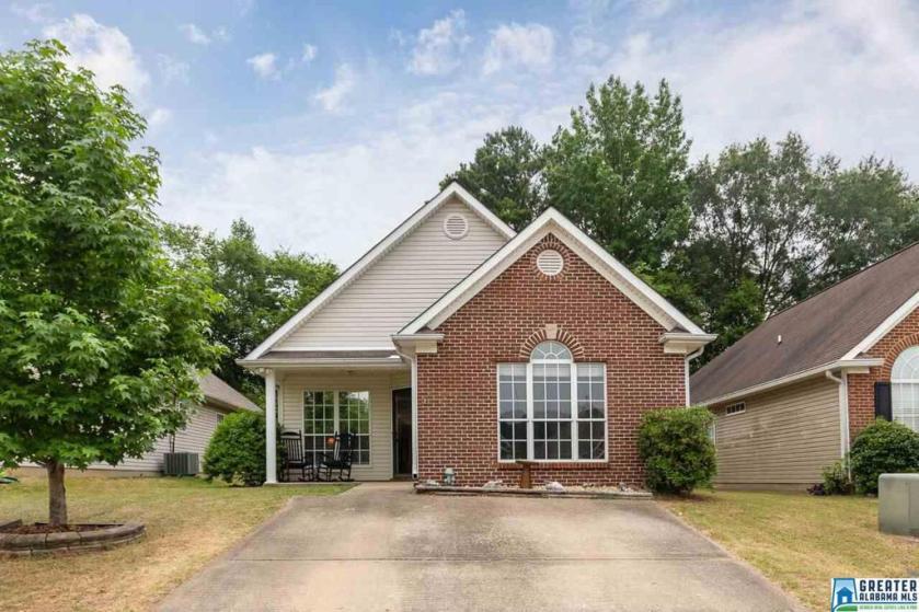 Property for sale at 208 Hidden Creek Pkwy, Pelham,  Alabama 35124