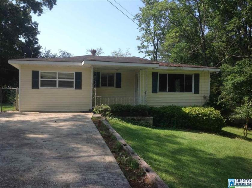Property for sale at 4910 Hollow Rd, Adamsville,  Alabama 35005