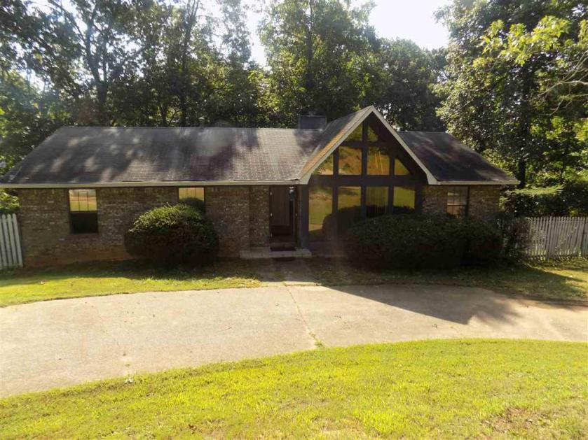 Property for sale at 1717 Faircrest Dr, Hueytown,  Alabama 35023