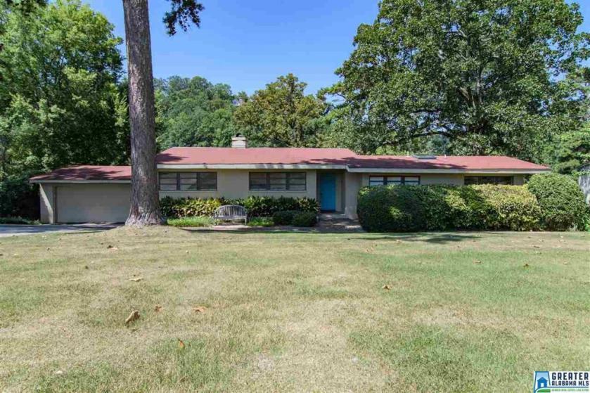 Property for sale at 708 Vestavia Lake Dr, Vestavia Hills,  Alabama 35216