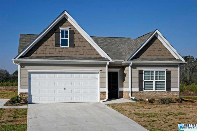 Property for sale at 305 Springs Crossing Ln, Columbiana,  Alabama 35051