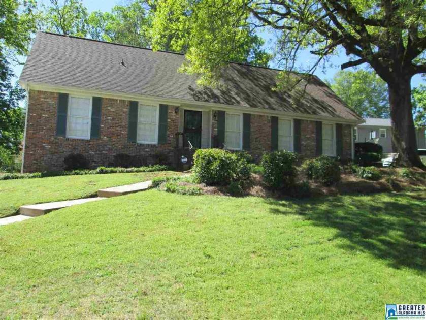 Property for sale at 2512 Dunmore Dr, Hoover,  Alabama 35226