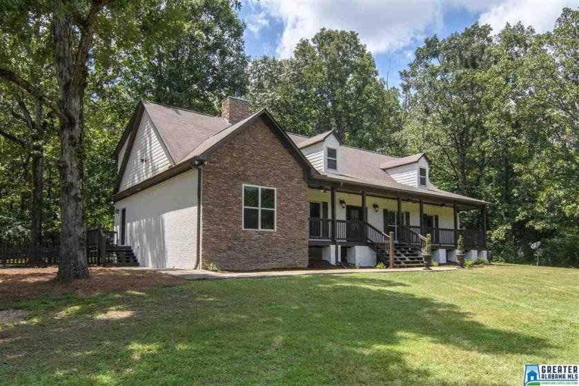 Property for sale at 106 Sunrise Ln, Westover,  Alabama 35147