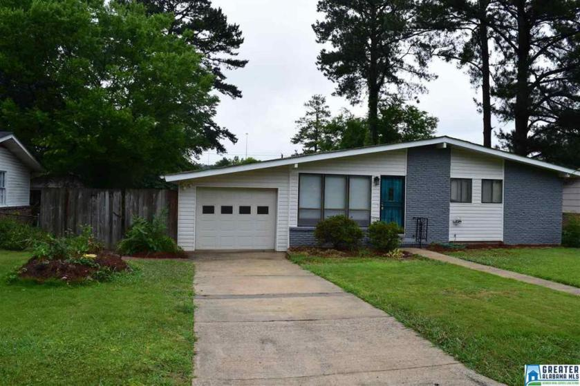 Property for sale at 1808 Briar Meadow Rd, Irondale,  Alabama 35210