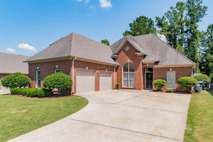 Property for sale at 6006 Waterside Dr, Hoover,  Alabama 35244