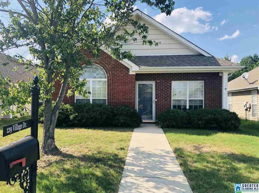 Property for sale at 129 Village Dr, Calera,  Alabama 35040