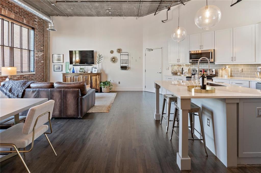 Property for sale at 3235 Roswell Road Unit: 718, Atlanta,  Georgia 30305
