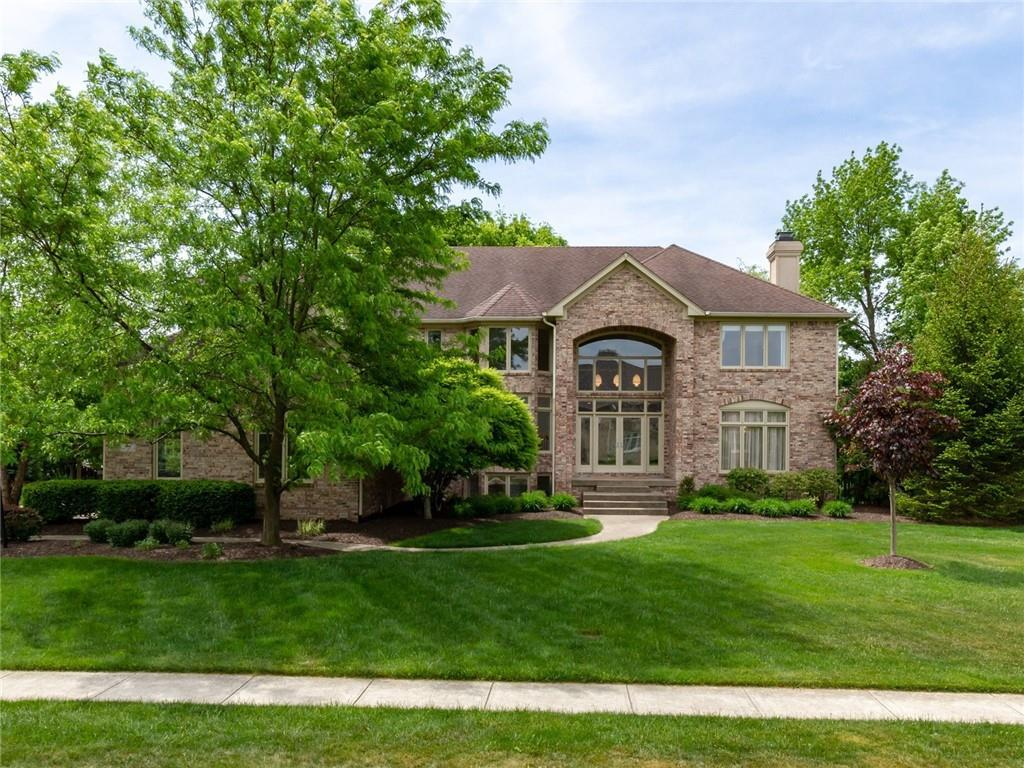 Property for sale at 933 Deer Lake Drive, Carmel,  Indiana 46032
