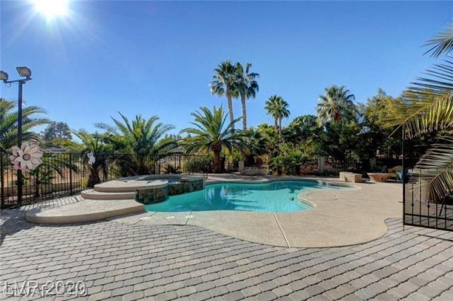 Property for sale at 2909 LA MESA Drive, Henderson,  Nevada 89014
