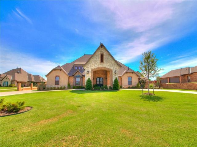 Property for sale at 3712 Churchill Road, Moore,  Oklahoma 73165