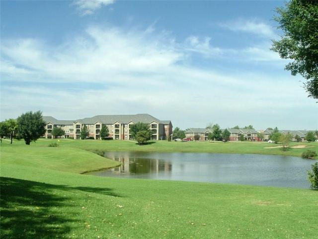 Property for sale at 401 N Pebble Creek Road, Mustang,  Oklahoma 73064