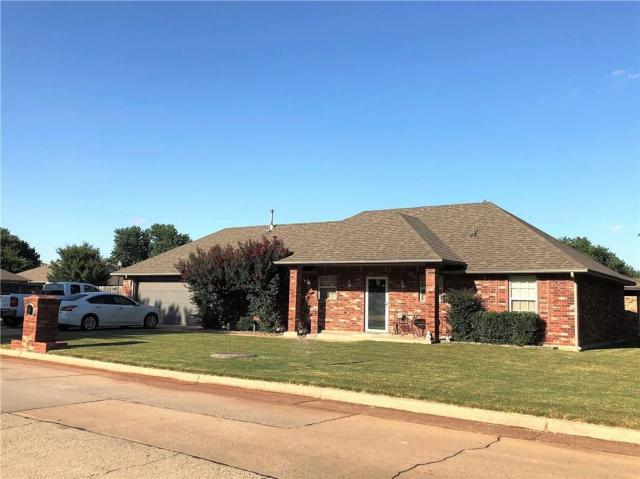 Property for sale at 720 N Holli Way, Mustang,  Oklahoma 73064