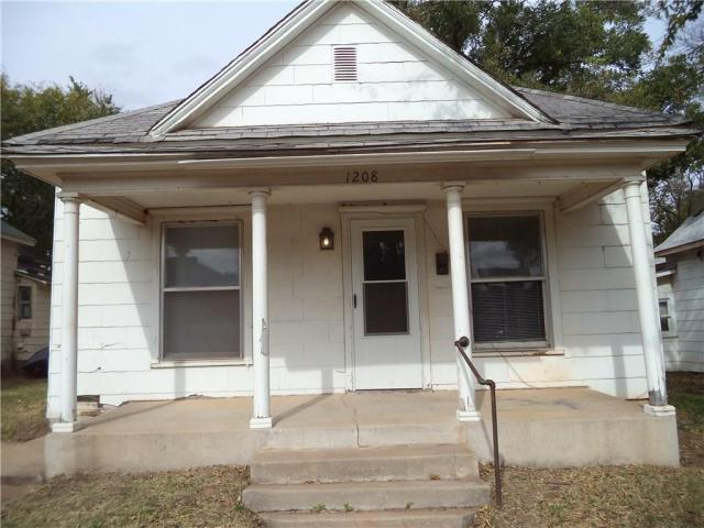 Property for sale at 1208 W Noble Avenue, Guthrie,  Oklahoma 73044