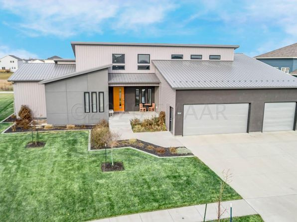 west fargo nd luxury homes for sale