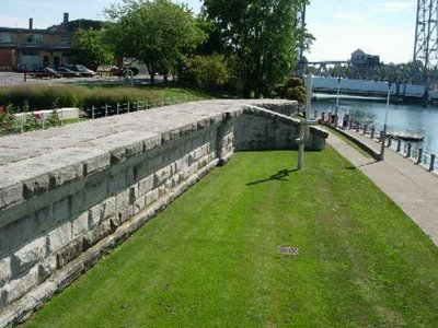 site of old Cross Street pool, outer wall